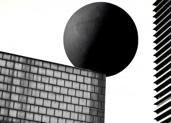 Contrasti geometrici di Silvio Lorrai