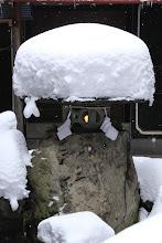 Photo: 中庭灯篭雪