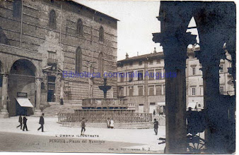 Photo: Perugia, Piazza del Municipio