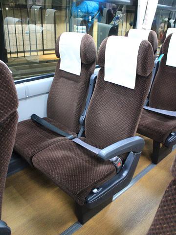 西鉄高速バス「ゆふいん号」 8529 シート