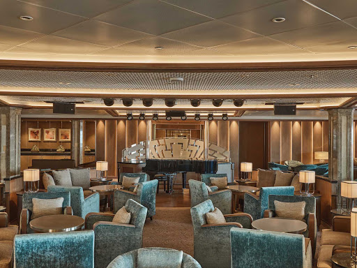 Enjoy an evening of piano music in Dolce Vita on your Silver Moon sailing.