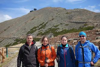 Photo: Zleva Robert, Katka K2, Markéta a Honza v sedle pod vrcholem