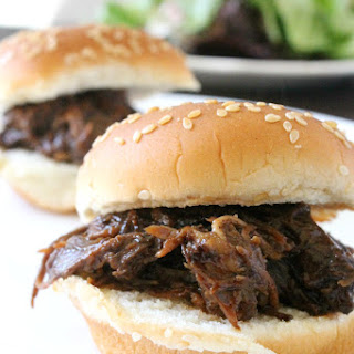 Slow Cooker BBQ Beef Sliders