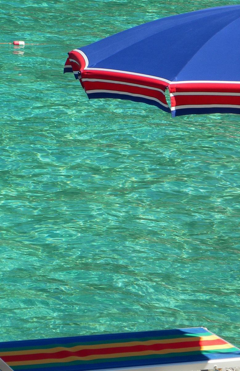 Minimalismo da spiaggia  di ellimo