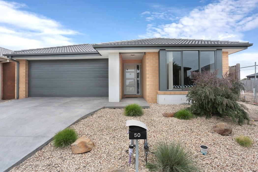 Main photo of property at 50 Daybreak Vista, Mickleham 3064