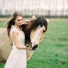 Wedding photographer Yana Shikht (collectmoments). Photo of 01.12.2016