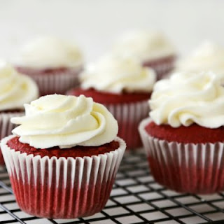 Copycat Sprinkles Red Velvet Cupcakes