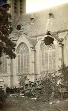 Photo: 1921 Véél Princenhagenaars ruimden de resten van de gevallen torenspits.