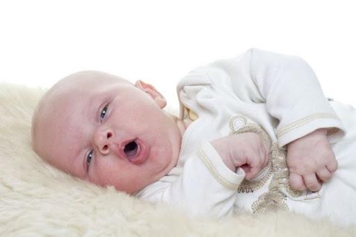 Chăm sóc trẻ 3 tháng tuổi bị ho đúng cách như thế nào