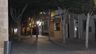 El centro de Almería, durante el toque de queda que actualmente está fijado a las diez de la noche.