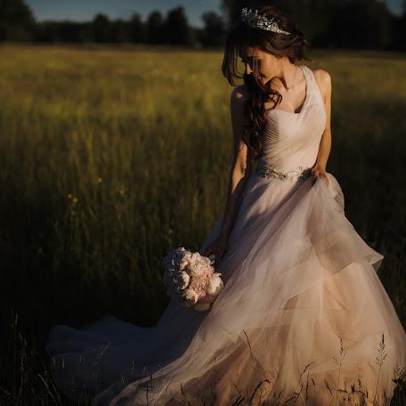 Wedding photographer Ilya Lobov (IlyaIlya). Photo of 18.02.2018