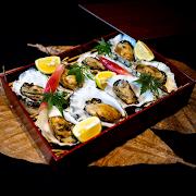 Oyster Warayaki (Straw fire someked oyster)