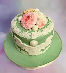 Vintage floral and lace cake