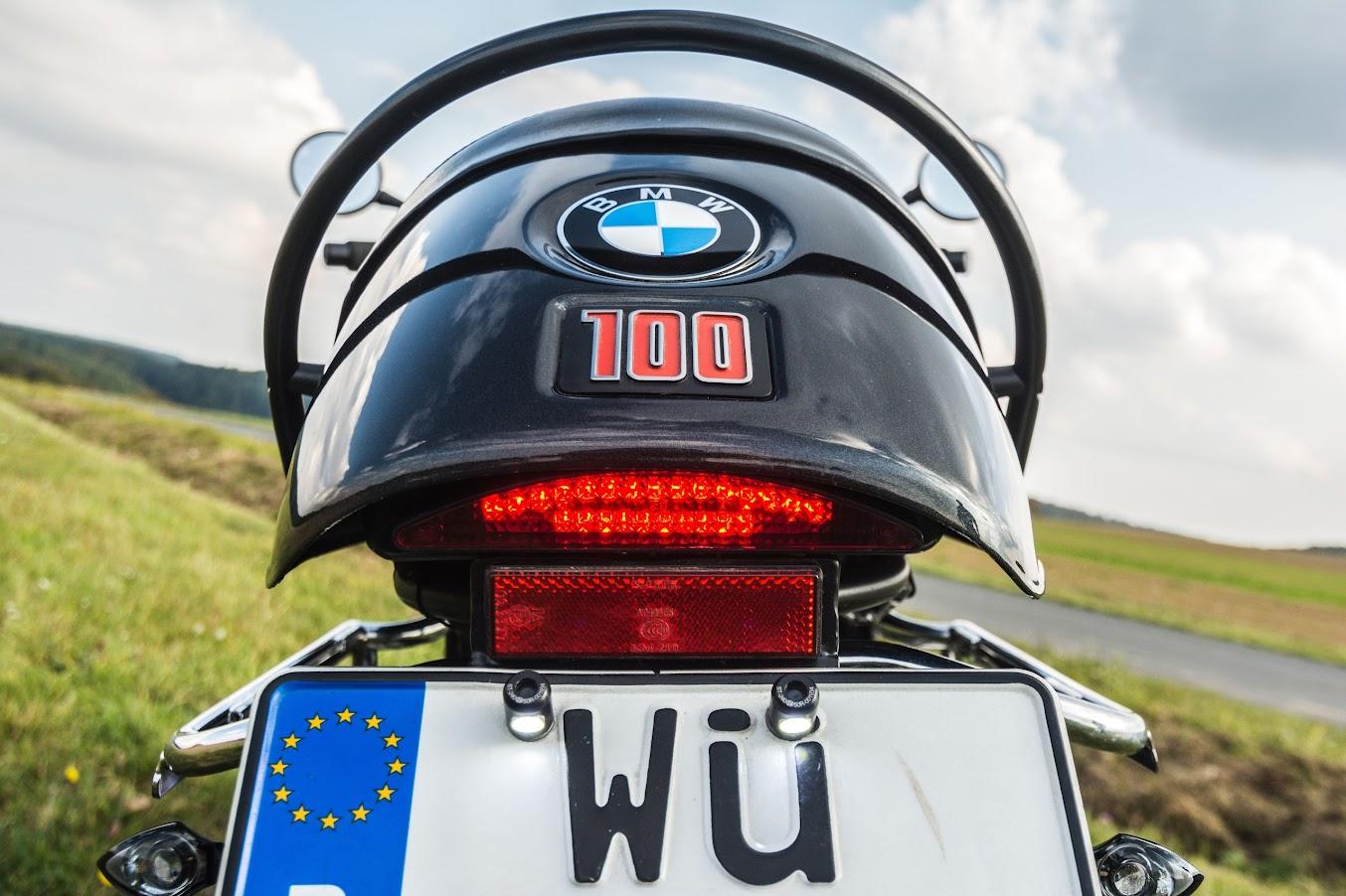 LED Rücklicht an BMW R 100 R mit R 100 S Heckrahmen und Kotflügel