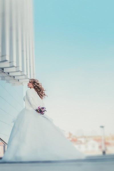 Wedding photographer Sergey Burov (BUROV). Photo of 09.10.2015
