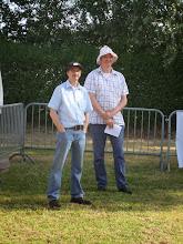 Photo: De keurmeesters Henk Bierhof en Theo van der Meer.