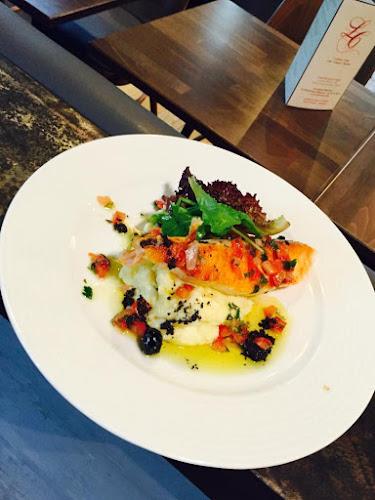 Dos de saumon écossais, purée à l'huile d'olives
