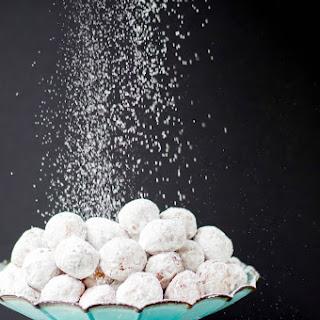 Powdered Sugar Doughnut Holes