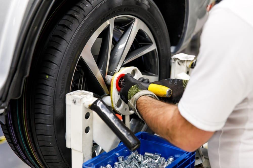 poka-yoke позволяет размещать и монтировать винты без повреждения колес.