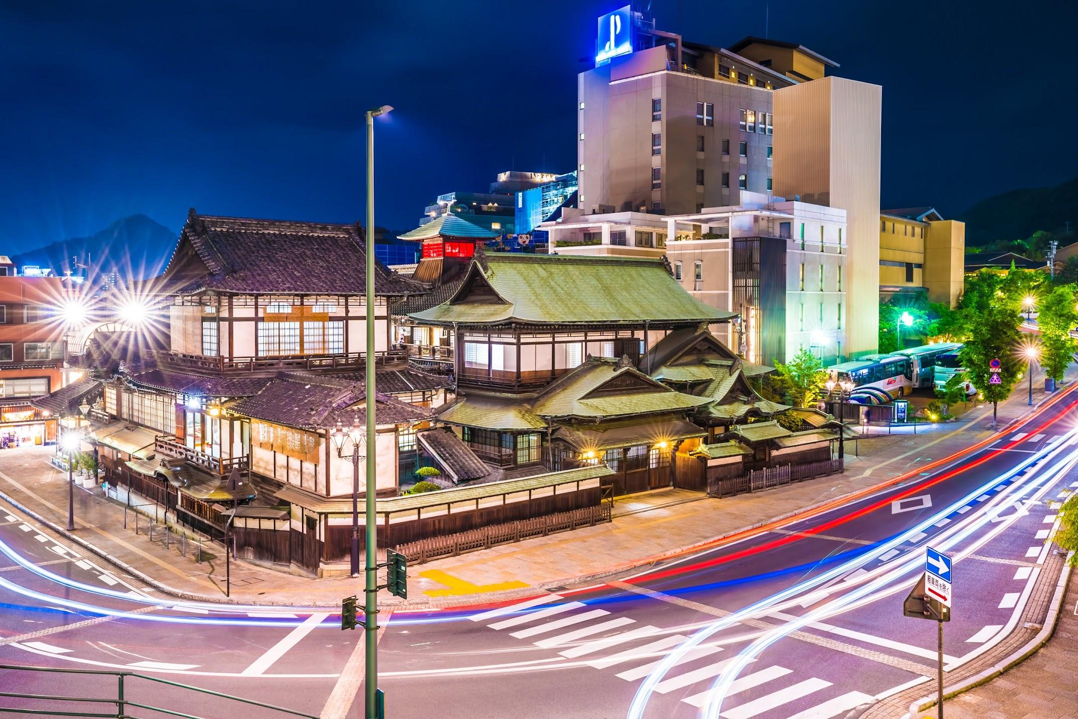 Dogo Onsen Honkan night2