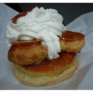 Filled Cream Puffs With Caramel Topping