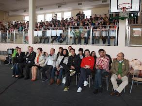 Photo: Mirant l'espectacle dels alumnes sobre l'European Language Day