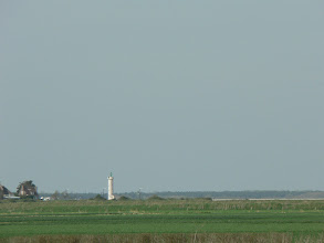 Photo: Un phare. Mais où est la mer ?