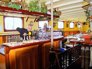 Photo: #014-Journée à l'Armada 2008. Déjeuner à bord du JR Tolkien.