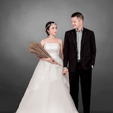 Wedding photographer Sumrit Siriphantha (sumstudio49). Photo of 16.08.2018