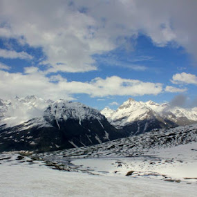 Rohtang Top. by Arjun Sehrawat - Landscapes Mountains & Hills