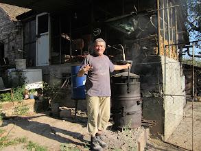 Photo: hé vous connaissez la rakia? j'la fait moi même!