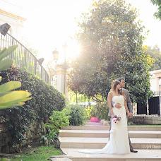 Wedding photographer Virginie Debuisson (debuisson). Photo of 19.11.2014
