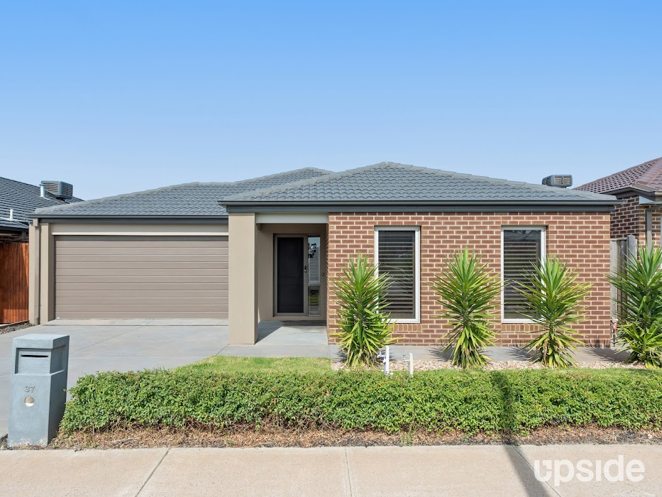 Main photo of property at 37 Blundy Boulevard, Clyde North 3978