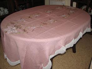 Photo: Mantel de doce cubiertos
