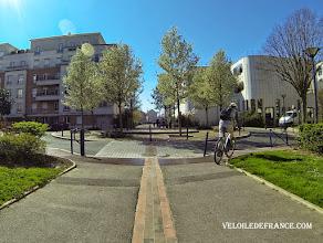 Photo: Ville de Clamart - E-guide circuit de déplacement à vélo entre Bourg la Reine et Velizy2 par veloiledefrance.com  Town of Clamart - Bike ride e-guide for commuting by bike from Bourg la Reine train station to Velizy 2 shopping center, produced by veloiledefrance.com