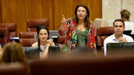 Carmen Crespo, durante su intervención este ueves en el Parlamento Andaluz.