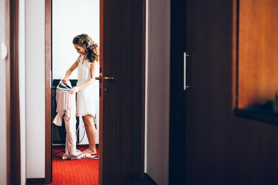 Wedding photographer Алина Посторонка (alinapostoronka). Photo of 18.07.2017