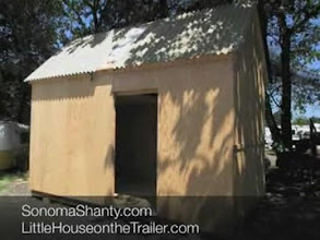 Photo: Sing Tiny House featured by LittleHouse.