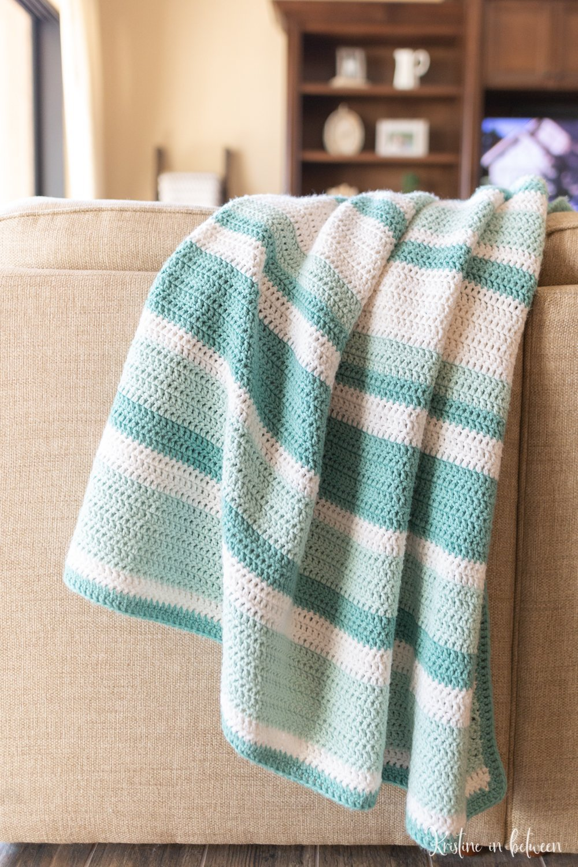 Easy all double crochet beginner crochet blanket pattern
