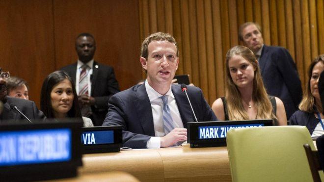 Основатель Facebook Марк Цукерберг утверждал перед Генеральной Ассамблеей ООН, что интернет принадлежит каждому