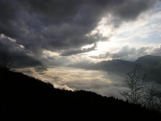 Nuvole e nebbia di trentina