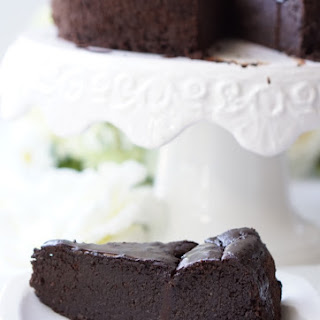 Healthy Chocolate Oatmeal Cake.