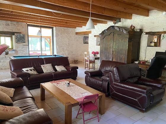 Vente propriété 13 pièces 400 m2
