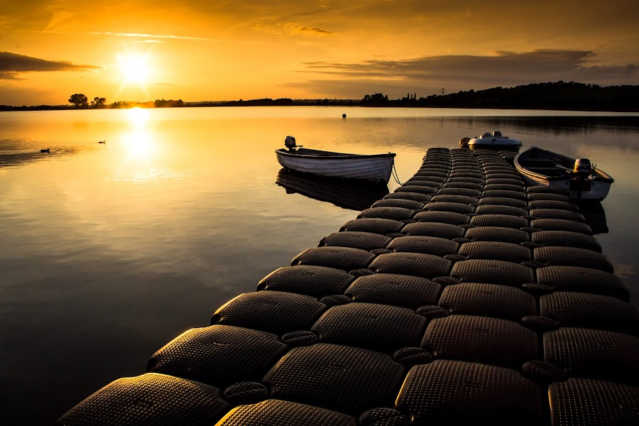 Golden sunset by Syed Zaidi - Landscapes Waterscapes ( water, uk, sunset, boats, oxford, sun, golden )