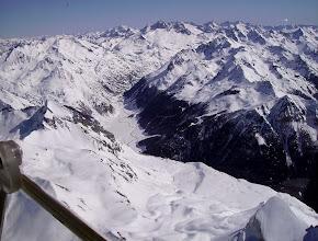 Photo: La petite Arcizette à gauche, le col de Lurdé devant et le sommet du pic de Cezy à droite devant. Vallée de Soussouéou derriére.