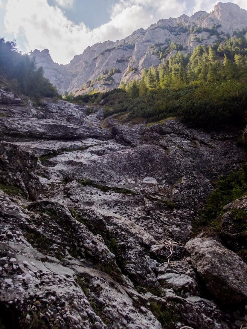 Valea Seacă a Caraimanului (Munţii Bucegi)