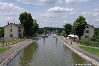 Photo: Pont canal de Briare. Le canal latéral à la Loire va de Briare (Loiret) à Digoin (Saône et Loire).