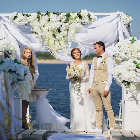 Wedding photographer Anna Donskova (livemoments). Photo of 13.01.2018