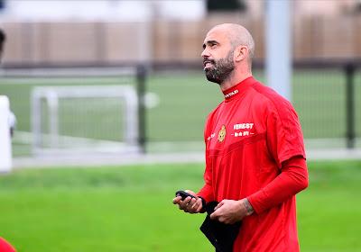 """Steven Defour en zus Jessie reageren emotioneel op terugkeer naar KV Mechelen: """"Ik had het je beloofd"""" & """"Hij zou een traantje wegpinken"""""""