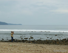 Photo: Frank Wong, birding the Aticama River mouth at Matanchen Bay